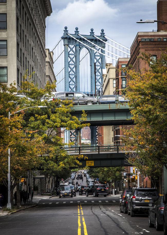 Gap Bridgephotography Bridgeporn LINE Manhattan Manhattan Bridge Manhattanbridge Narrow Street Random Shots Streetphotography The Street Photographer - 2017 EyeEm Awards The Great Outdoors - 2017 EyeEm Awards