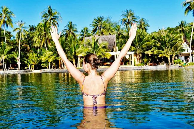 Thailand, Koh Chang Emotions🙊🙉🙈 Catching The Sun Thailand Koh Chang Beach Palm Trees Perfect Vacation Paradise ❤ Blue Sky Temperature Gets Hot