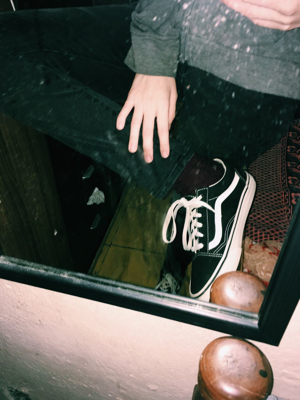 real people, high angle view, one person, low section, day, men, human leg, shoe, human body part, outdoors, lifestyles, human hand, close-up
