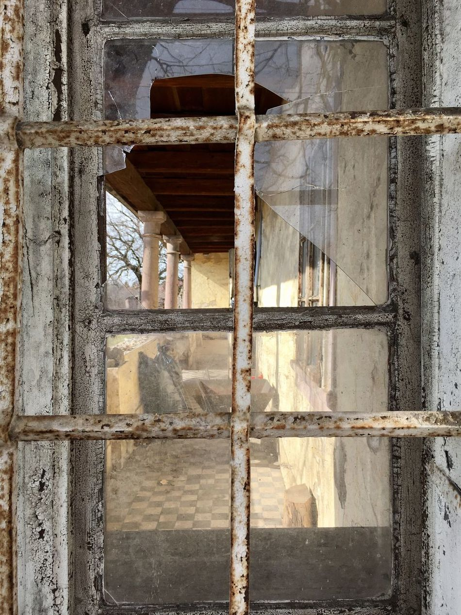 Built Structure Wood - Material Architecture Abandoned Indoors  Day No People Windows And Doors Windows Window Windows View