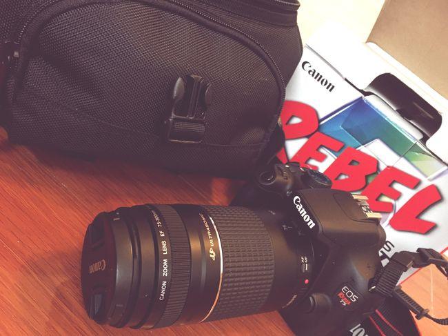"人生中最重要的一個""玩具""來到了我的身邊, 我會好好愛惜他的,謝謝謝謝[呲牙] Canon Camera Gifts ❤ Bestmoment Enjoying Life Relaxing Hello World ✌ EyeEm Best Shots Taking Photos Belongs To Me Thanksgiving Eosrebelt5"