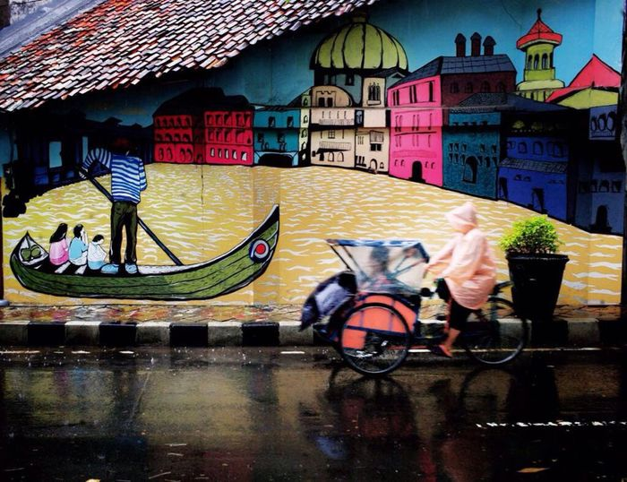 After the rain in venice van java 😁 Streetphotography Street Art Streetphoto_color Streetlife Multi Colored Outdoors One Person Asian Art Asianstreetpoet Architecture Pictureoftheday Picofthemoment