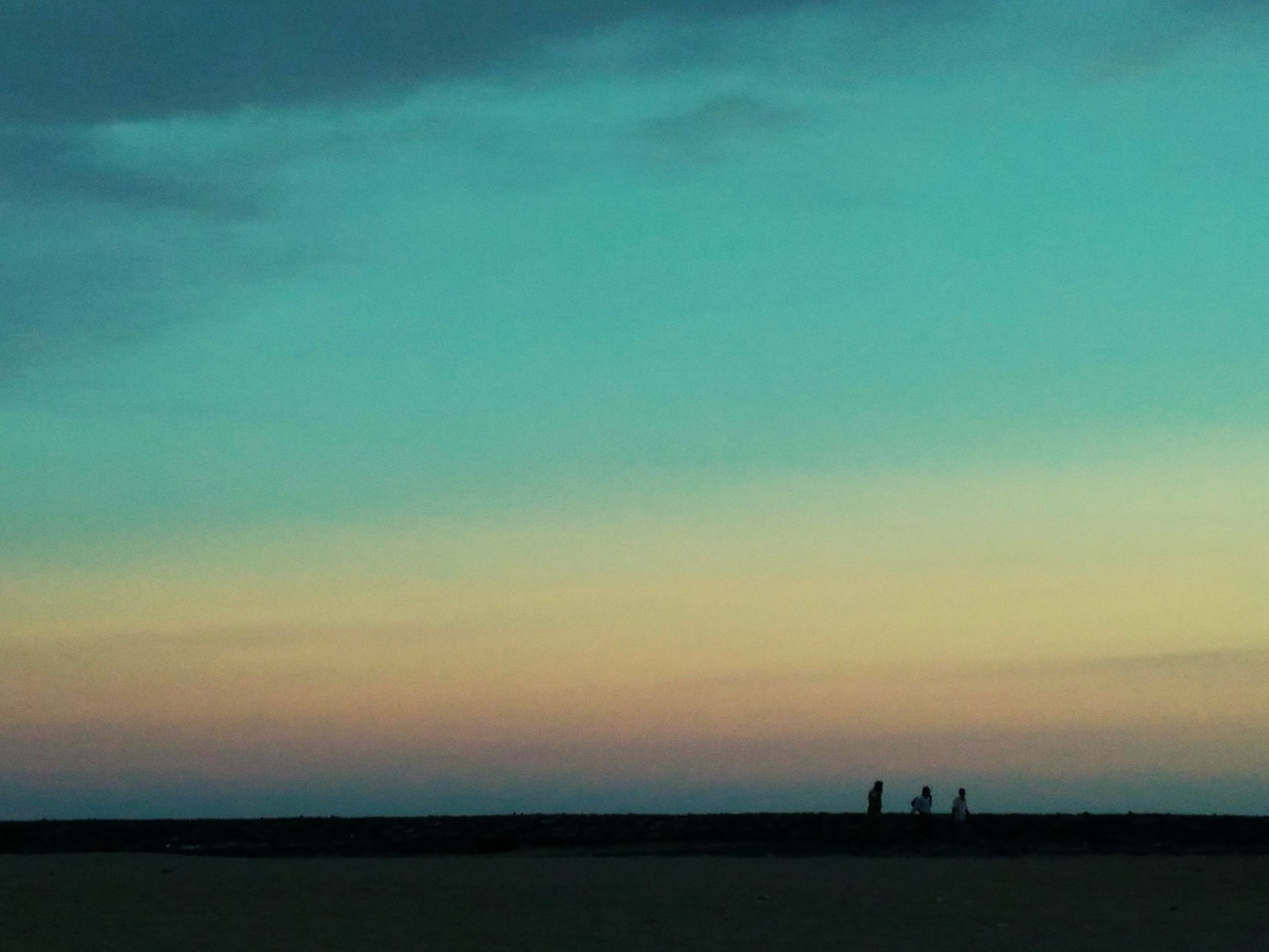 silhouette, sunset, sea, tranquil scene, scenics, tranquility, sky, beauty in nature, water, nature, horizon over water, copy space, dusk, idyllic, outline, orange color, beach, unrecognizable person, outdoors