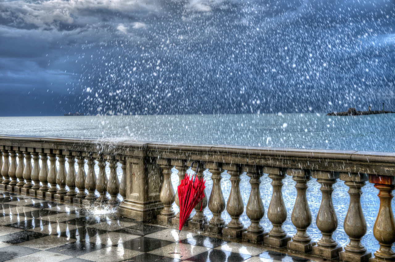 Sketch Salty Sketch Water Sea Outdoors No People Lovely Photo Live Italia Street Light Gildo Masini Dream Light Hard Beauty Nature Sunlight ☀ Umbrella Red Umbrella Livorno Tuscany Eyem Vision