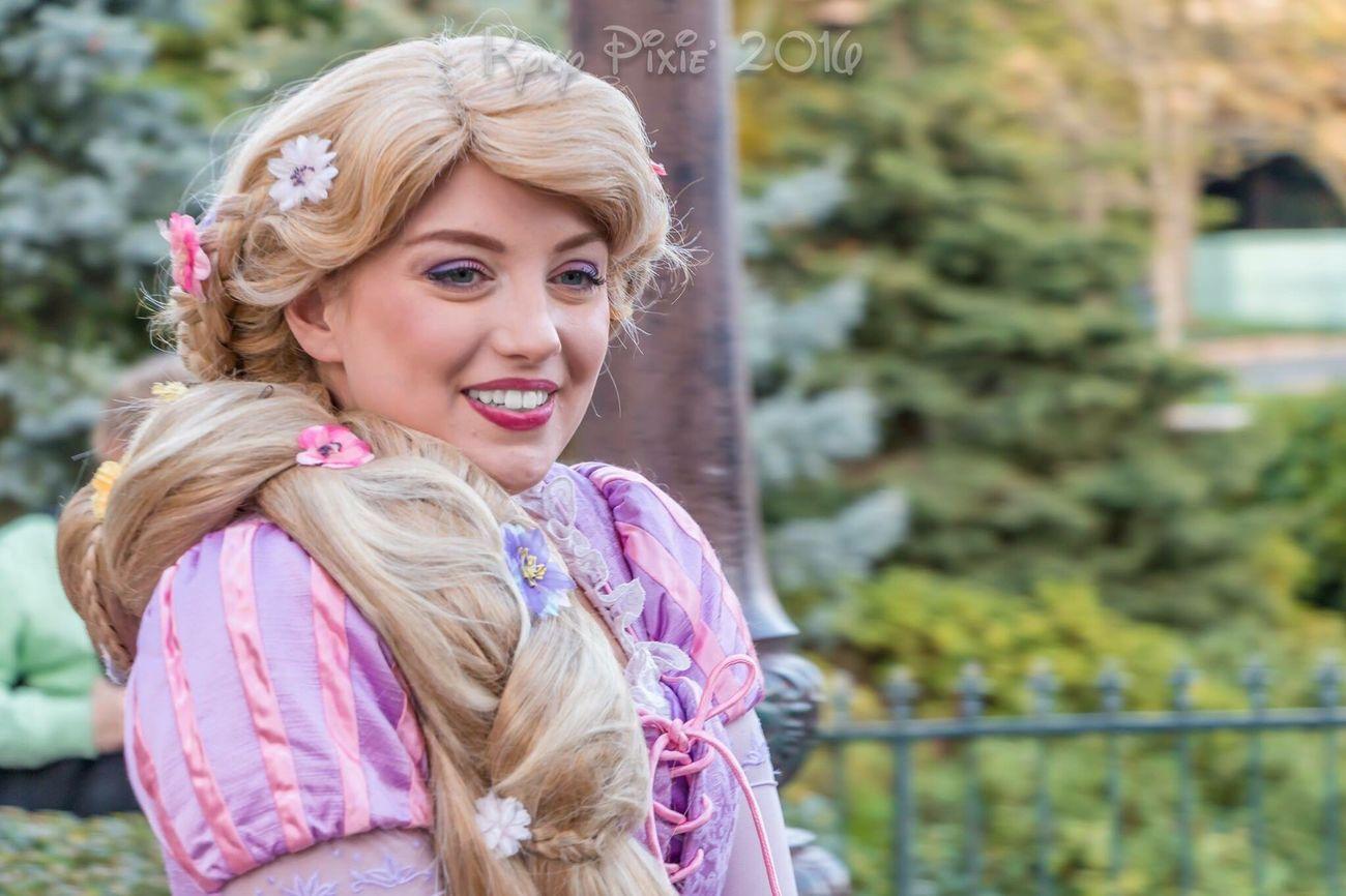 Only Women Blond Hair Smiling Happiness Waltdisney Beautiful Woman Hdrphotography Disneyland Resort Paris Disneyland Disney Disneyland Paris Magic Tangled