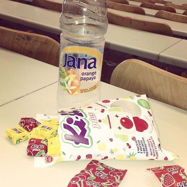 Having a break with @IvanaKolic1 between our lectures. Healthymeal