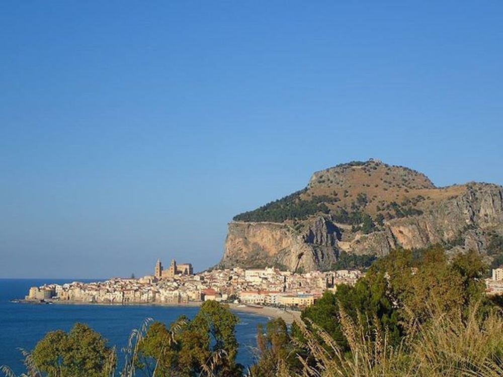 😍😍😍cefaLu😍😍😍 Cefalu  Cefalubeach Roccadicefalu Palermo Bellasicilia Bellaitalia  Volgosicilia Ig_sicily Ig_neverstopexploring Ig_visitsicily Sicily_tricolors Ig_sicilia Igerssicilia Igersitalia Skylovers Lifeisgood Cyclingholiday Igglobalclub Loves_nature Loves_sicilia Ig_sharepoint Whataview Keeponsmiling Travelgram Mylifemyadventure @b_a_c_k_ @mihamalus hellomay splendid_shotz wu_europe