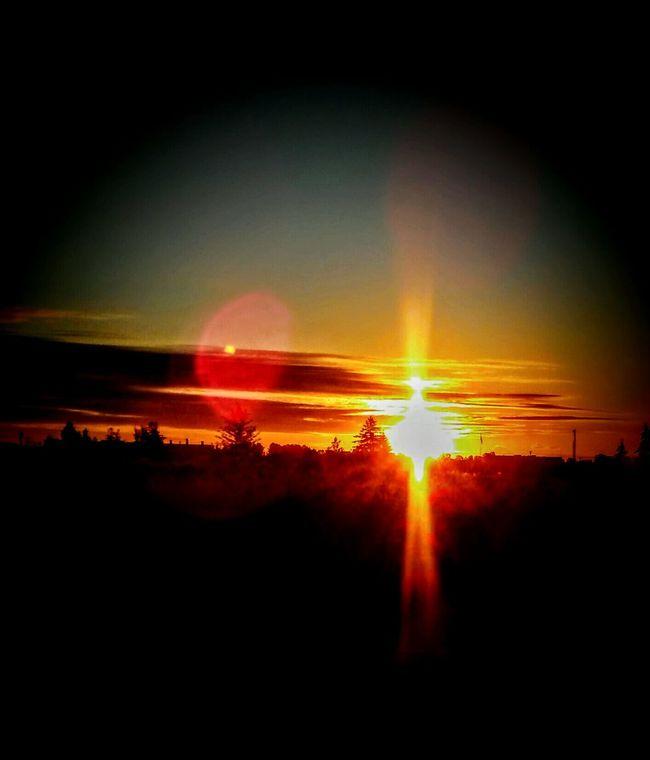 Gorgeous ♥ Dayumm Proud Of Myself I Took This Picture Beautiful Sunrise Oregons Sunrise Oregons Best God's Beauty OMG MOMENTS 43 Golden Moments EyeEm Nature Lover EyeEm Gallery EyeEm Best Edits EyeEm Best Shots Carries Picks Oregonlife Gods Creation Warmth And Sunshine Oregon Sunrise Nature_collection