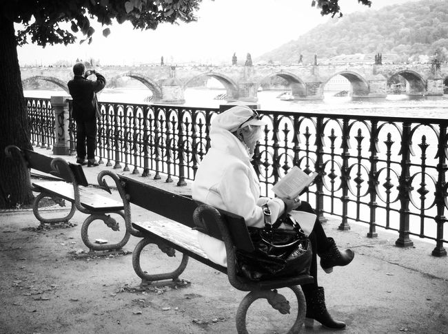 Streetphoto_bw Shootermag Blackandwhite EyeEm Traveling Around The World EyeEm In Prague Mission Prague Visual Witness Shades Of Grey