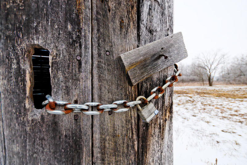 Chain Close-up Day Lock No People Outdoors Safety Wood - Material