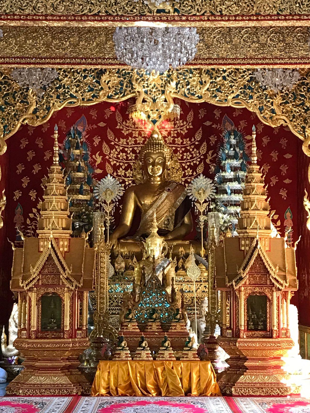 วัดพระธาตุ 4 รอย Religion Gold Colored Gold Place Of Worship Spirituality Male Likeness Human Representation Art And Craft Statue Indoors  No People Day