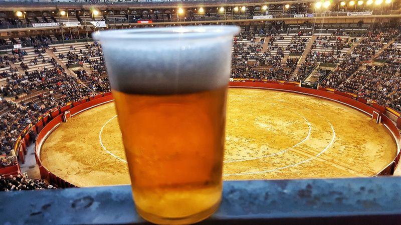 Plaza De Toros SPAIN Spain🇪🇸 España Bier Birra Bier Time Bier🍺 Cerveza Cervezas Cerveza De Barril Cervezahelada Cerveza🍺 Valencia, Spain València Toros Corrida De Toros Paint The Town Yellow