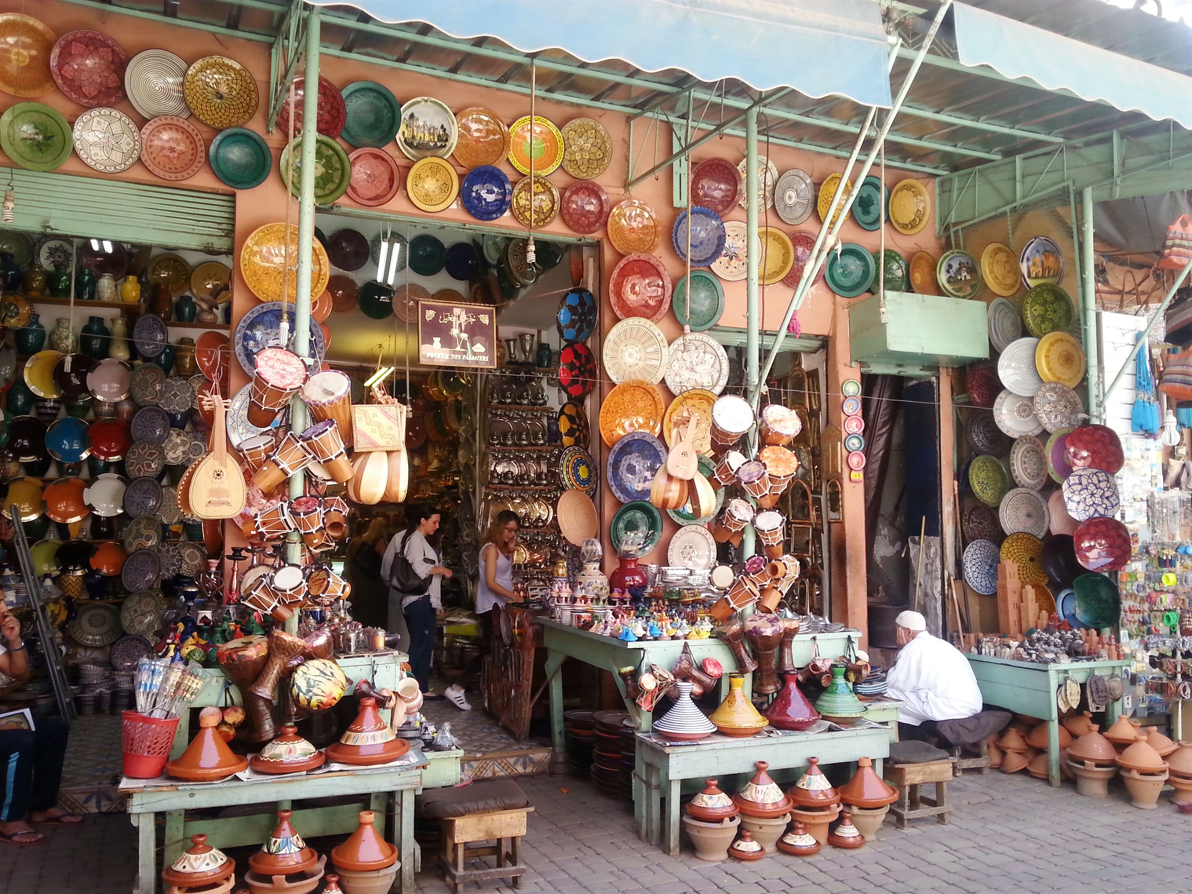 retail, built structure, architecture, for sale, multi colored, variation, building exterior, large group of objects, market, choice, market stall, store, religion, abundance, tradition, spirituality, art and craft, arrangement, art, hanging