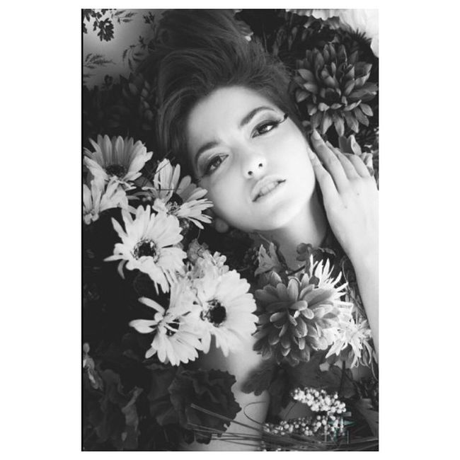 TransformationTuesday featuring our very own photographer, @tahleeuh, not only is she a talent behind the lens, she also knows how to work in front of it. Girlcrush Throwback Wallflowers blackandwhite flowers shesarose