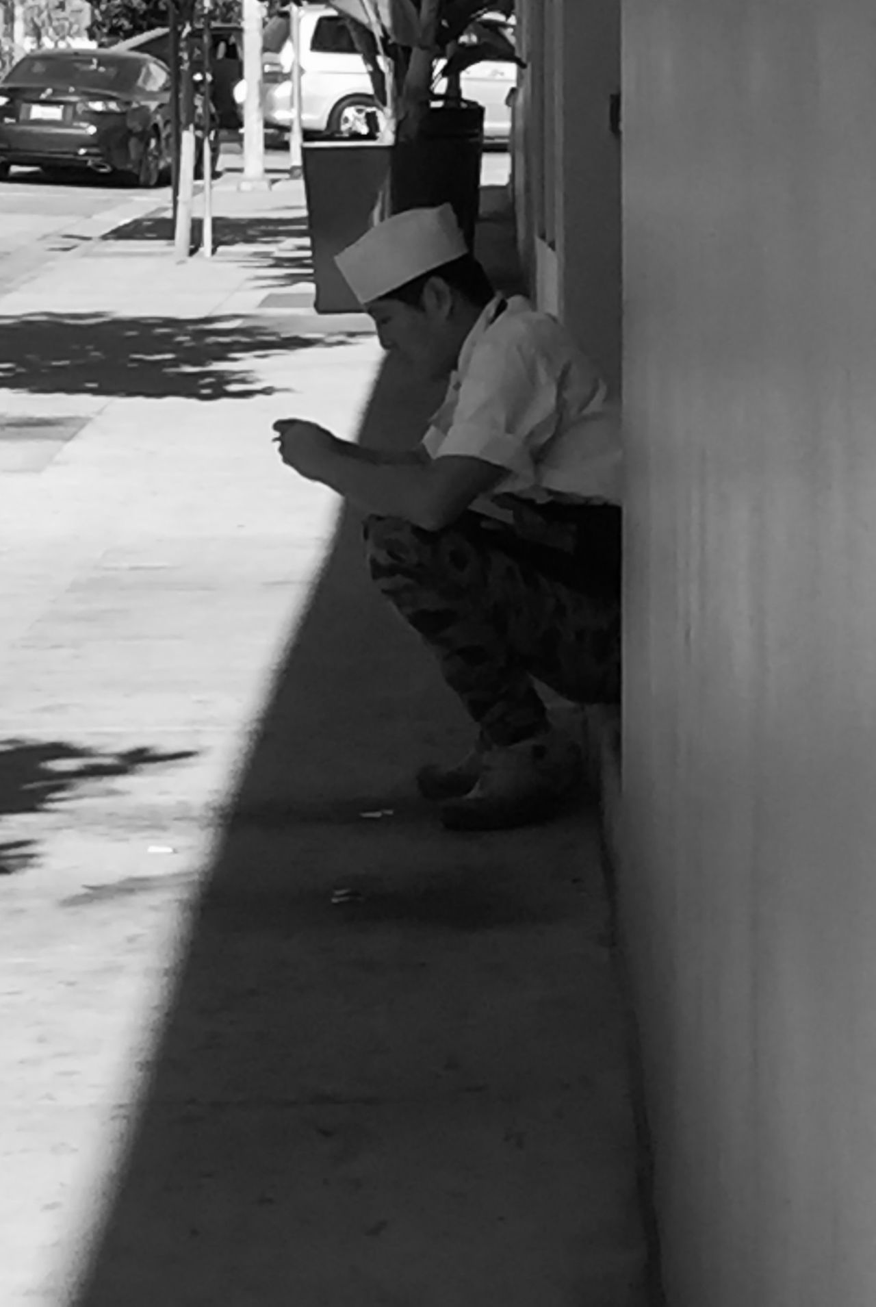 Smoke Break Streetphotography Losangeles Myneighborhood Black And White Mansittingoncurb