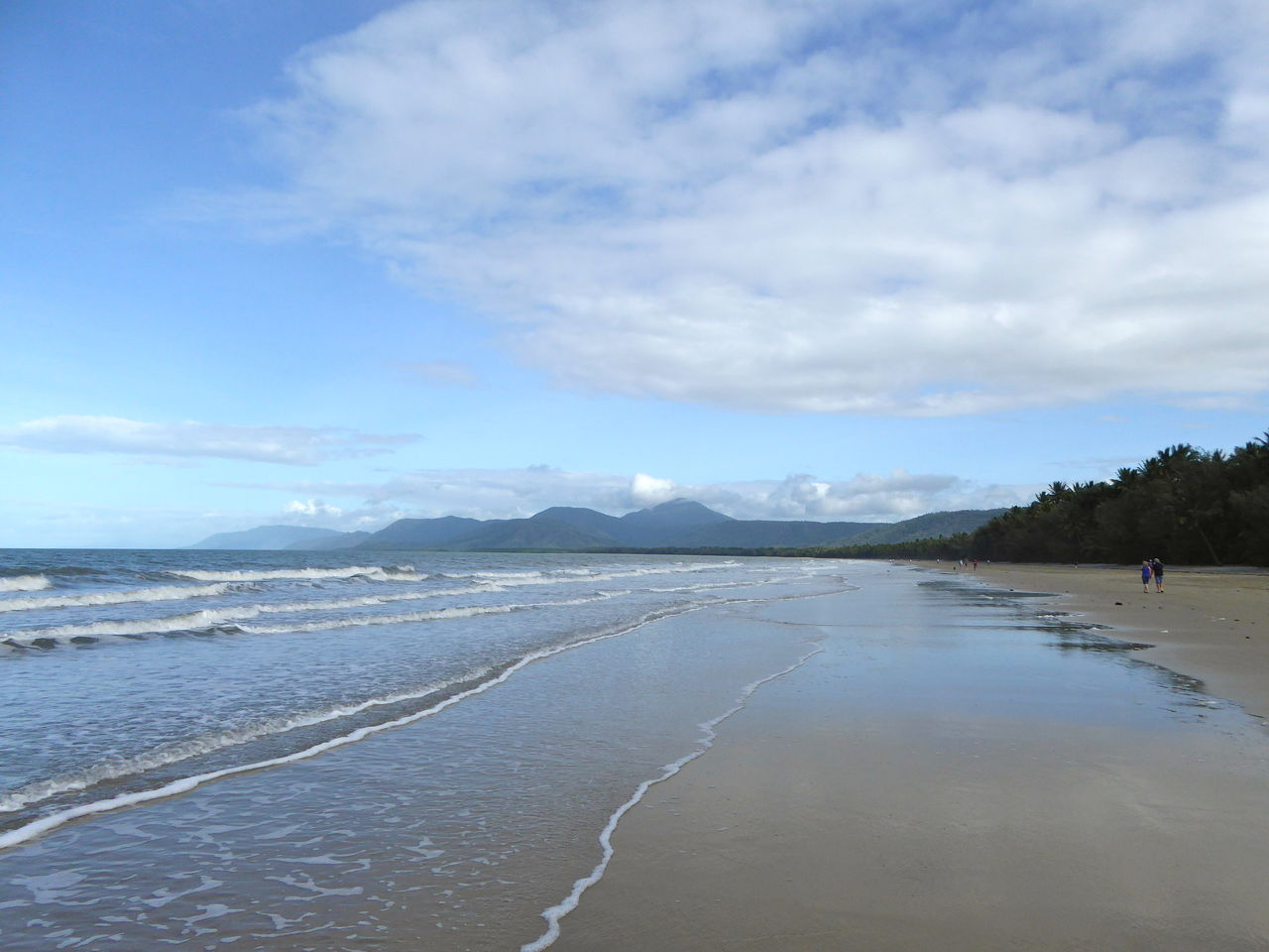 4 Mile Beach Port Douglas Australia Beach Beauty In Nature Broad Beach Cloud - Sky Clouds And Sky Holiday Paradise Idyllic Mountain Mountain Range Nature Scenics Sea Sky Small Waves Tourist Destination Tranquil Scene Tranquility Tropical Beach Water