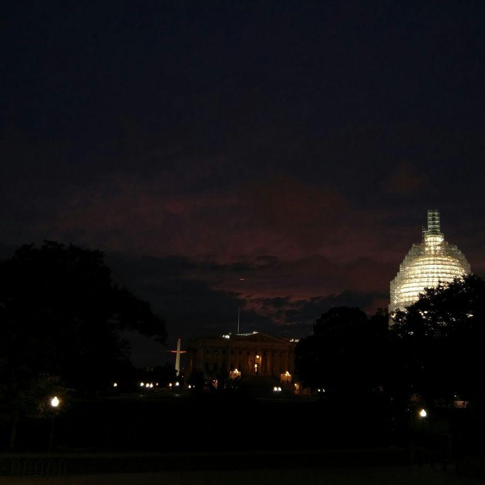 Capitol Hill Sunset. BadAnimals Images 2015. Nofilter Mobilephotography LGG4 Theweekendwalkabout Eyeemdaily Sunset SundayFunday Taking Photos