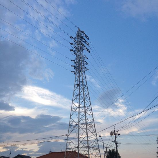夕陽は見れなかった〜 青空 Blue Sky 空 Sky 鉄塔 Pylon Steel Tower  電線 Electric Wire 雲