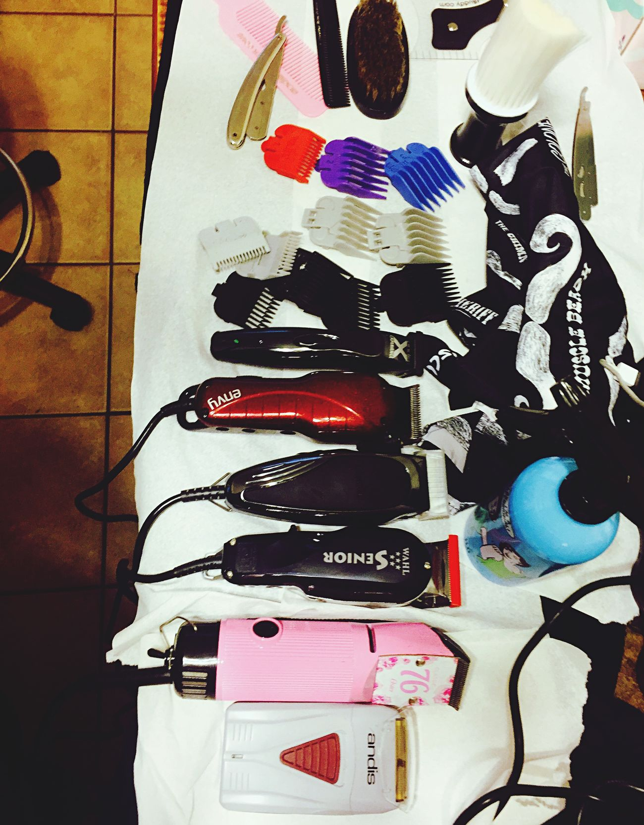 Clippers Hairstylist Table Equipment Razor Talc Barber Andis  Wahlclippers