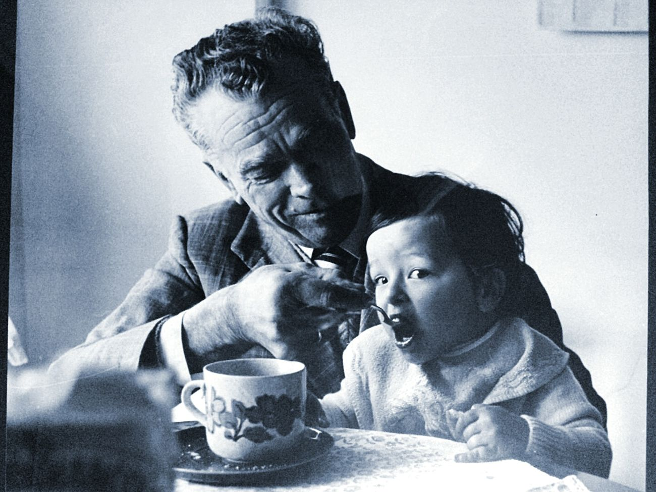 Nonno Nipote colazione casa calore