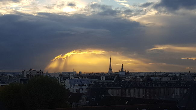 Horizontal Social Issues City No People Gas Night Outdoors Paris, France  Eiffel Tower Cloud - Sky Cityscape Sky