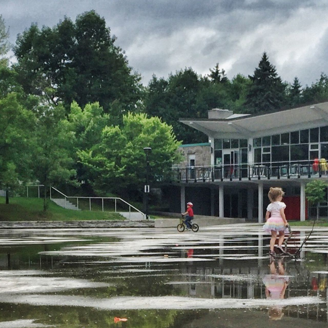 After the rain Streetphotography Montréal AMPt Community