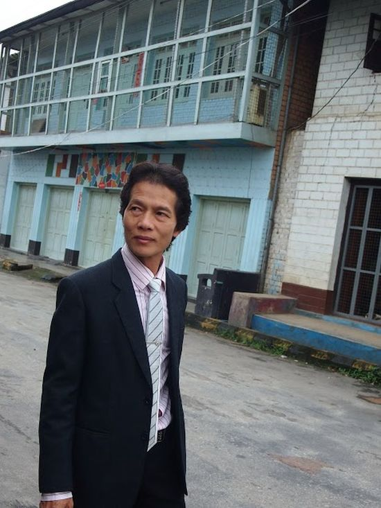 Adult Adults Only Architecture Building Exterior Built Structure Business Business Person Businessman Corporate Business Day Front View Lifestyles Men Mid Adult One Man Only One Person Only Men Outdoors People Portrait Real People Sommergefühle Standing Suit Well-dressed