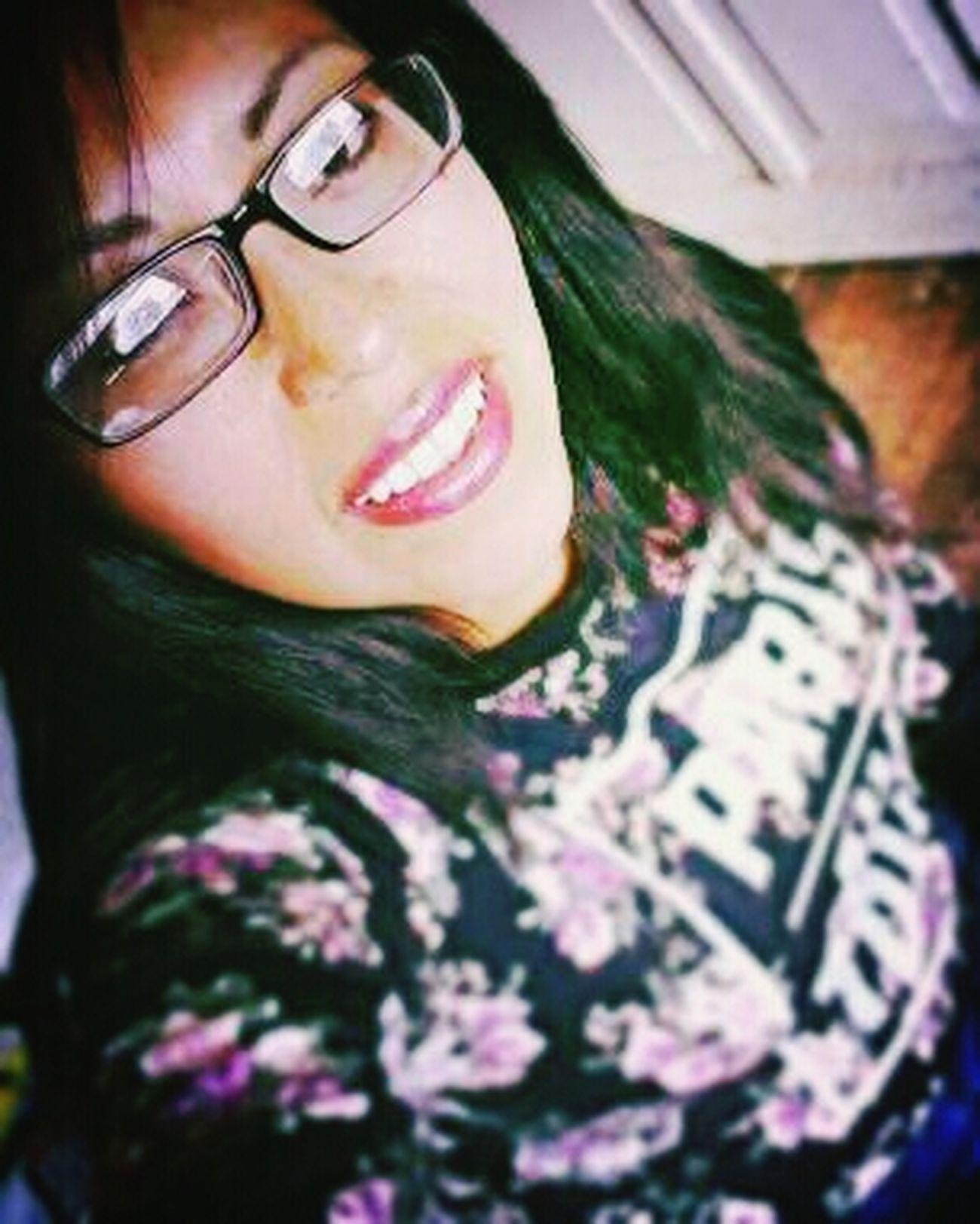 Glasses Smart Girl Selfie ✌