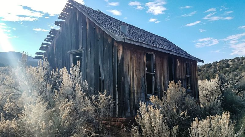 cabin from the 1800s Wild West Western Vintage Cowboy Cabin Sky Cloud - Sky Wood - Material Architecture Outdoors Day No People Building Exterior EyeEmNewHere EyeEm Ready   AI Now