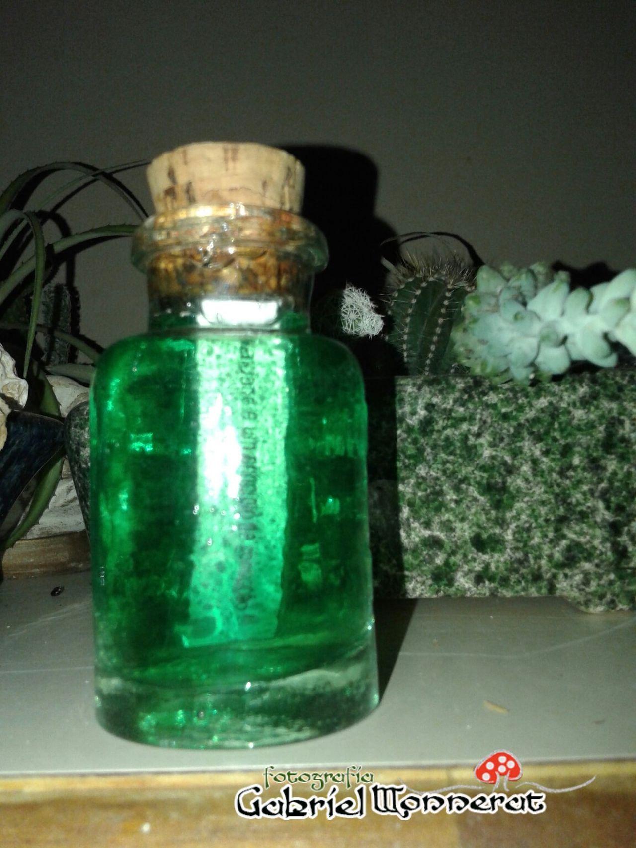"""Guardei em uma Magic Potion, um Poem """"A vaidade é um principio de corrupção"""" Poema Green"""
