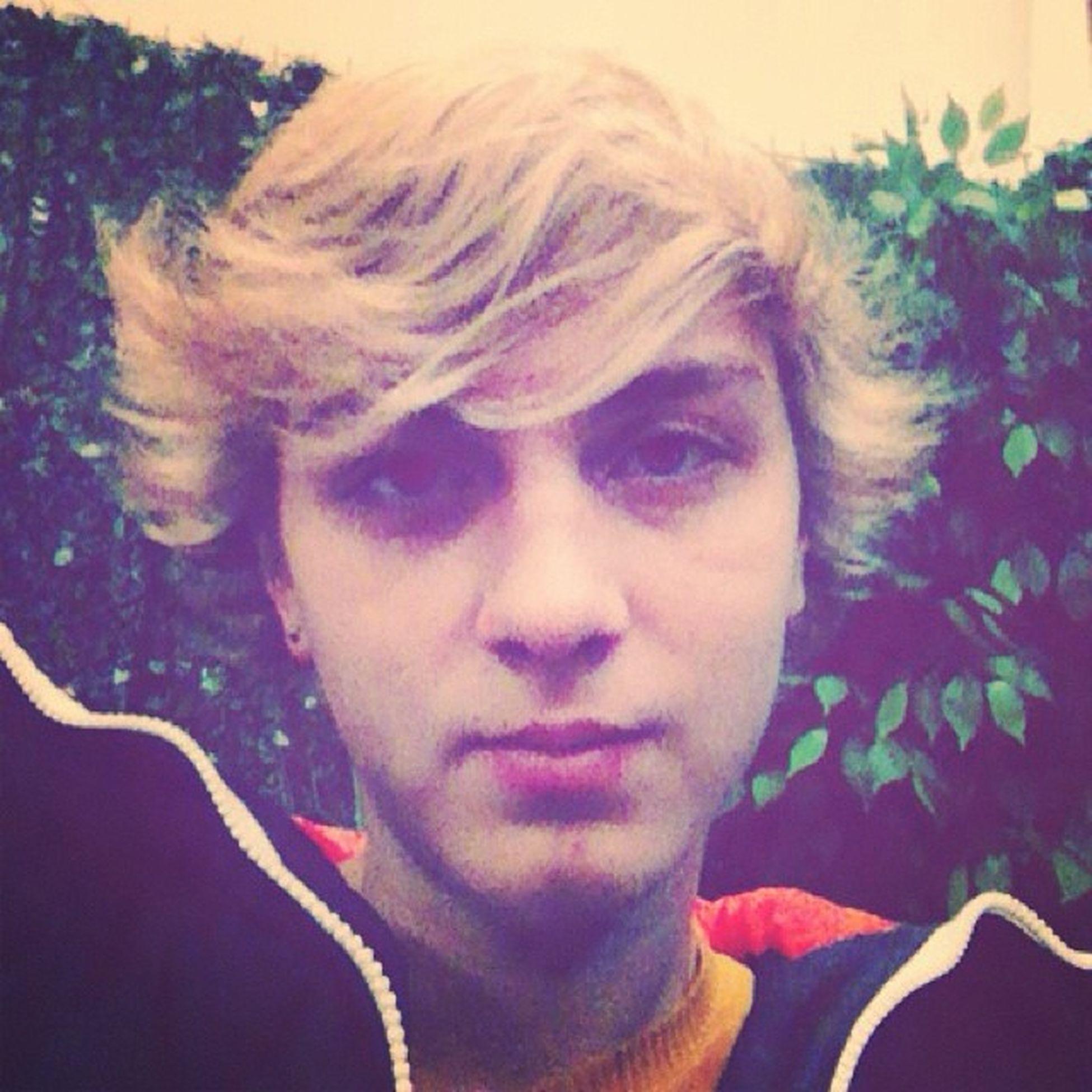 L4l Lfl Lforl F4F fff blonde blueeyes sweet cool cute idiot xD ? @enesaltinok