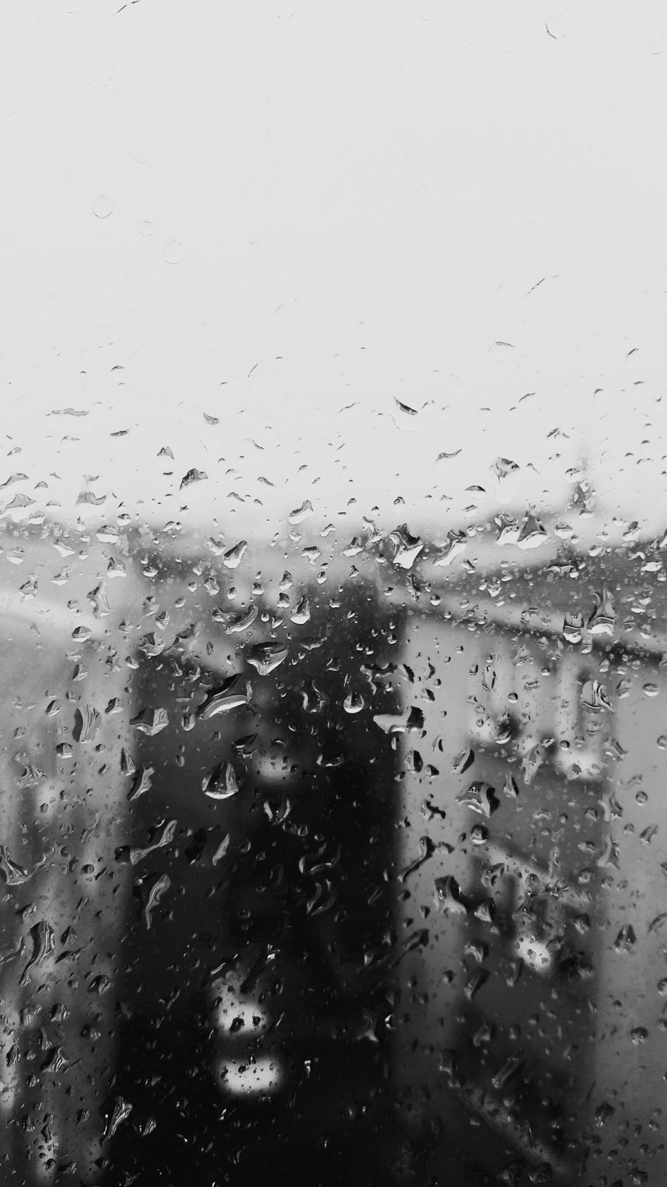 Rain on the sky,sky in my hand..my heart's only sky..and u know,l like..♥ Rainy Days Window Drop Rainymood RainyAfternoon ⛈🌧☔❄