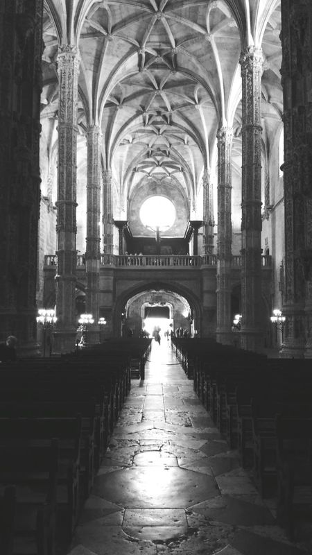 Arch Architecture Built Structure Indoors  Travel Destinations Architectural Column Place Of Worship History Religion The Way Forward Pew Day Mosteiro Dos Jerónimos Old Monastery Lisboa Portugal Place Of Worship Indoors  Black And White Photography Black And White The Architect - 2017 EyeEm Awards