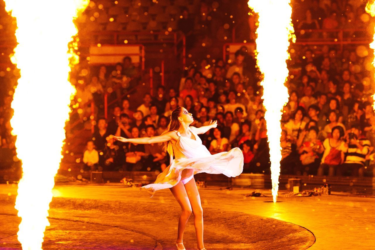Beautiful stock photos of feuer, full length, performance, dancing, young women