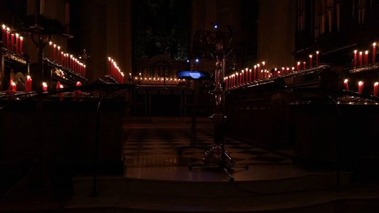 St Thomas's Church in Stourbridge UK - 9 lessons and carols service Christmas 2015 POTD Instagood Igers IGDaily Instapic Bbcmtd Stourbridge Stourbridgenews Dudleycouncil Church Christmas Service Candles Candlelight Choir  Light