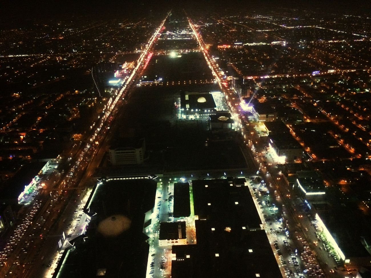 King Fahad and Olaya Street during night time.