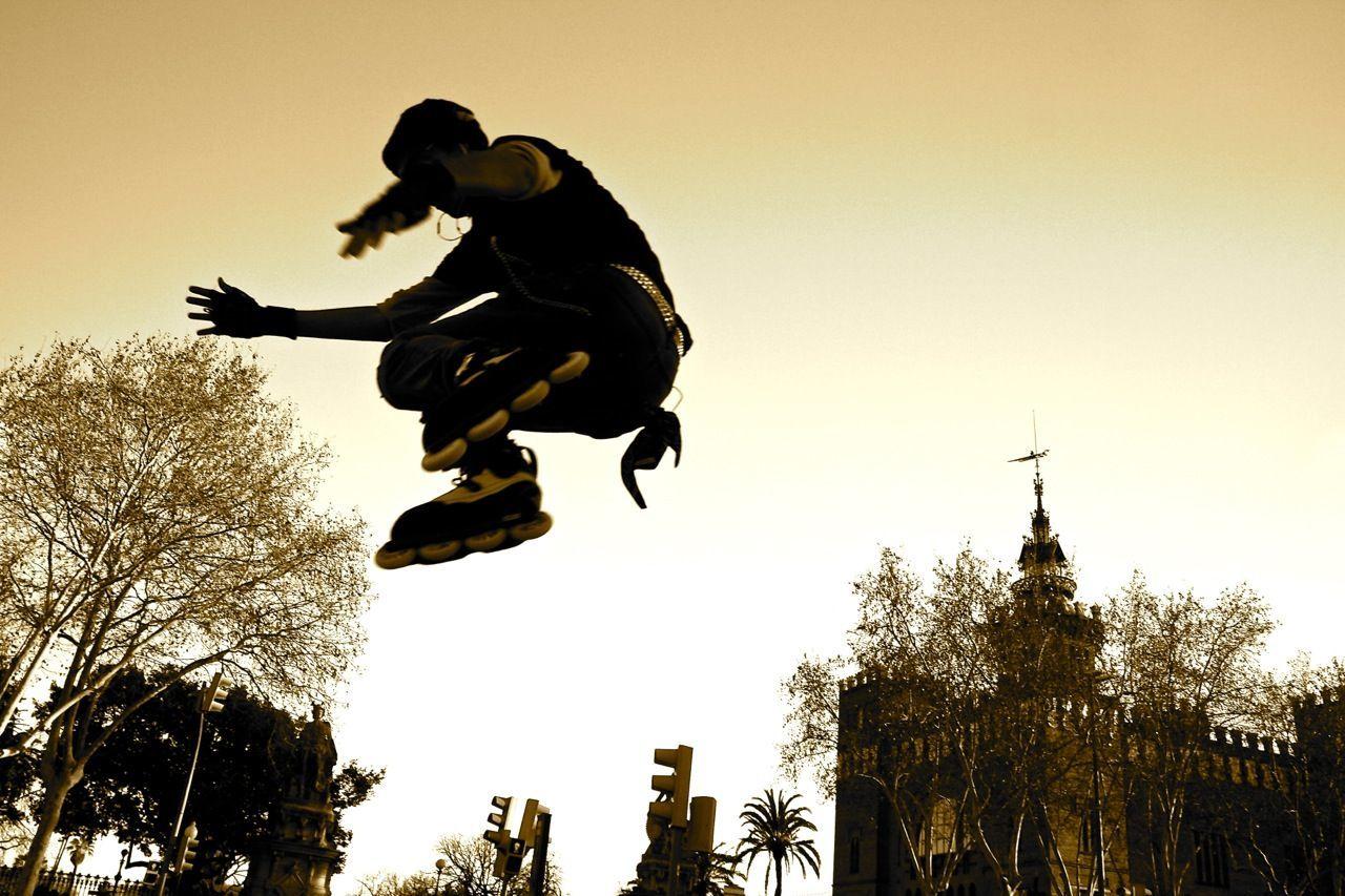 180 Jump 180° Barcelona Ciutadella Creativity Powerblading Rollerblading Skateboarding Streetphotography