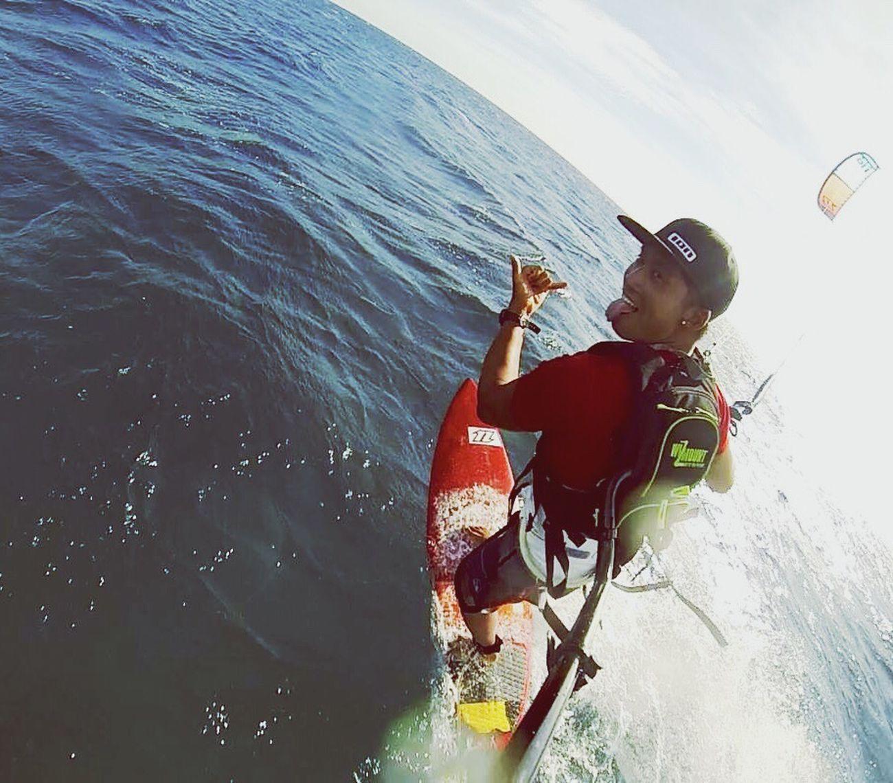 Always amazing when you fly😂😂👌🏼✌🏼🏝☀️ 🌊🏄🏻 Water Day Sea Sky EyeEm Gallery Kitesurfing EyeEm Best Shots Sogood Hot Day Paradise Island 🌴