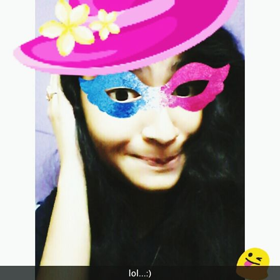 Instamood✌☺😍👌💗 Hat Close-up Looking At Camera Focus On Foreground Mask - Disguise Multi Colored Innocence Beauty