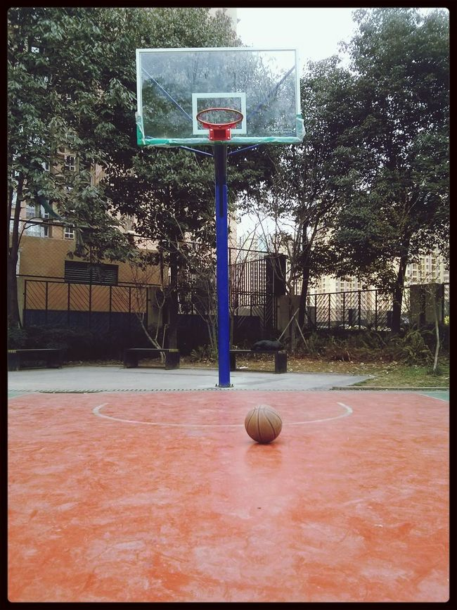 久违的运动,自从艾弗森退役后,我也就几乎没打过篮球了!