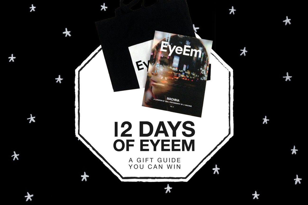 ✨ On the 8th day of #12DaysOfEyeEm, my true love sent to me... 5 #EYEEMxMACHINA copies plus mag bags! Enter here → http://eyeem.ai/2hRooCj