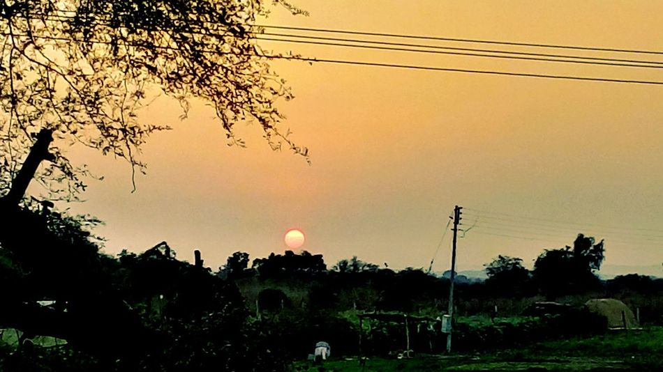 Lovely Sunset Mesmorising Evening Sky Play Of Light Natural Scenery Nature Photography @$RG...