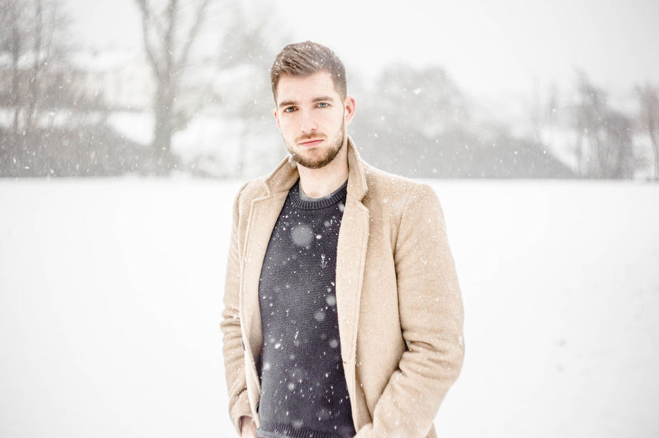 Beautiful stock photos of schneeflocken,  25-29 Years,  Adult,  Adults Only,  Beard