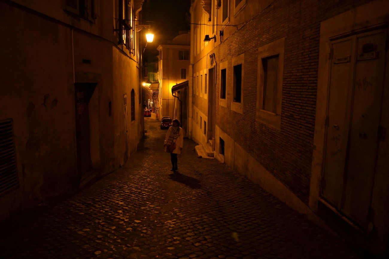 La nuit est beauté. Rome Roma Italie Italia Italy Europe The Midnight Darkness And Light