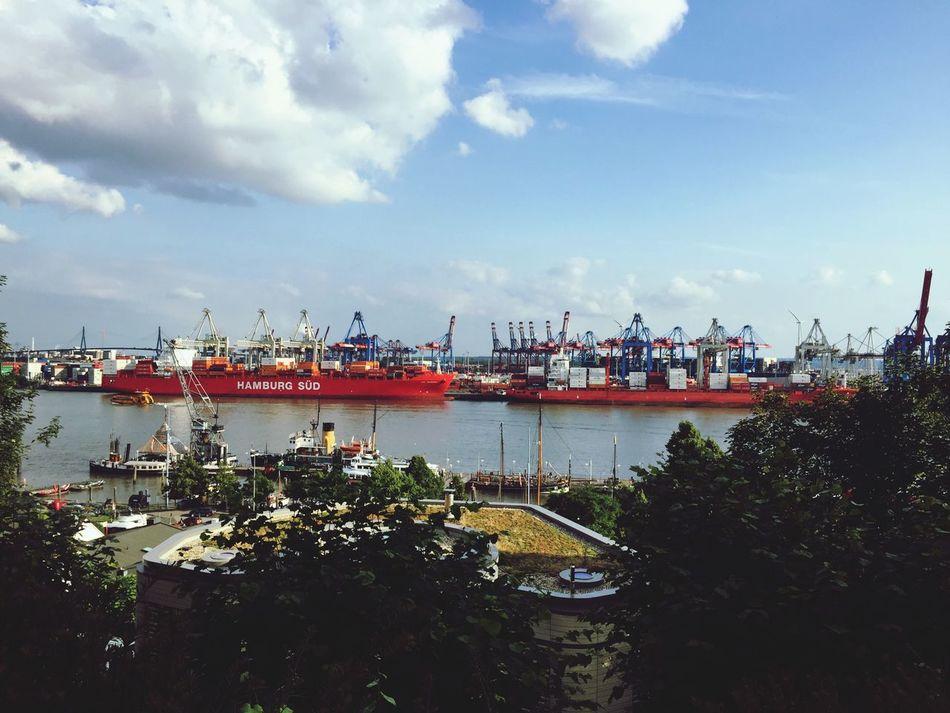 Fine Dining Hamburg Harbour View