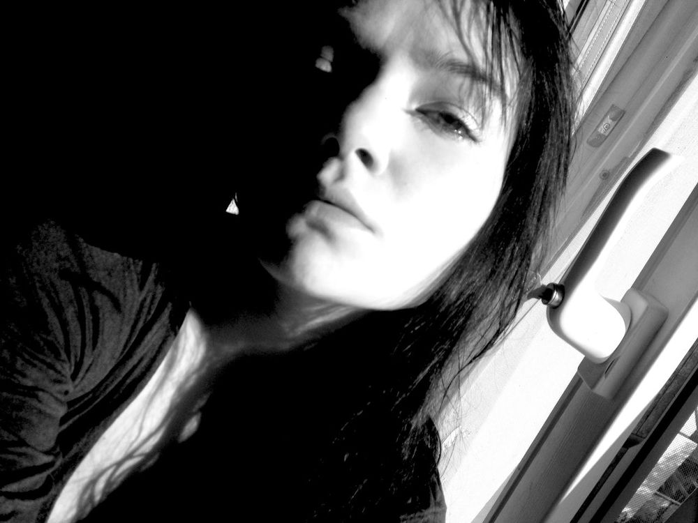 Notes From The Underground Noiretblanc Taking Pictures Summertime Blackandwhite Face It