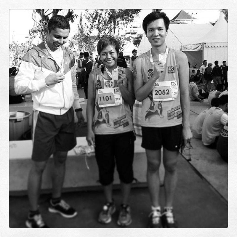 Muka lemes setelah lari 21K :p Halfmarathon 21k Makassarsemimarathon Makassar run running goneforarun