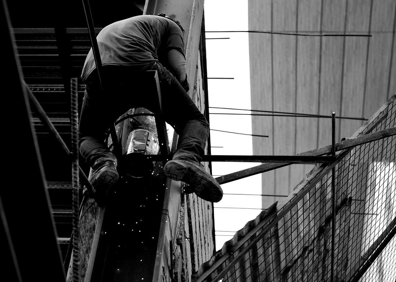 Welding Working People Building Menatwork Sparks Fly Blackandwhite Blackandwhite Photography Street Streetphotography People And Places Deathdefying EyeEmPHLaborDay2017