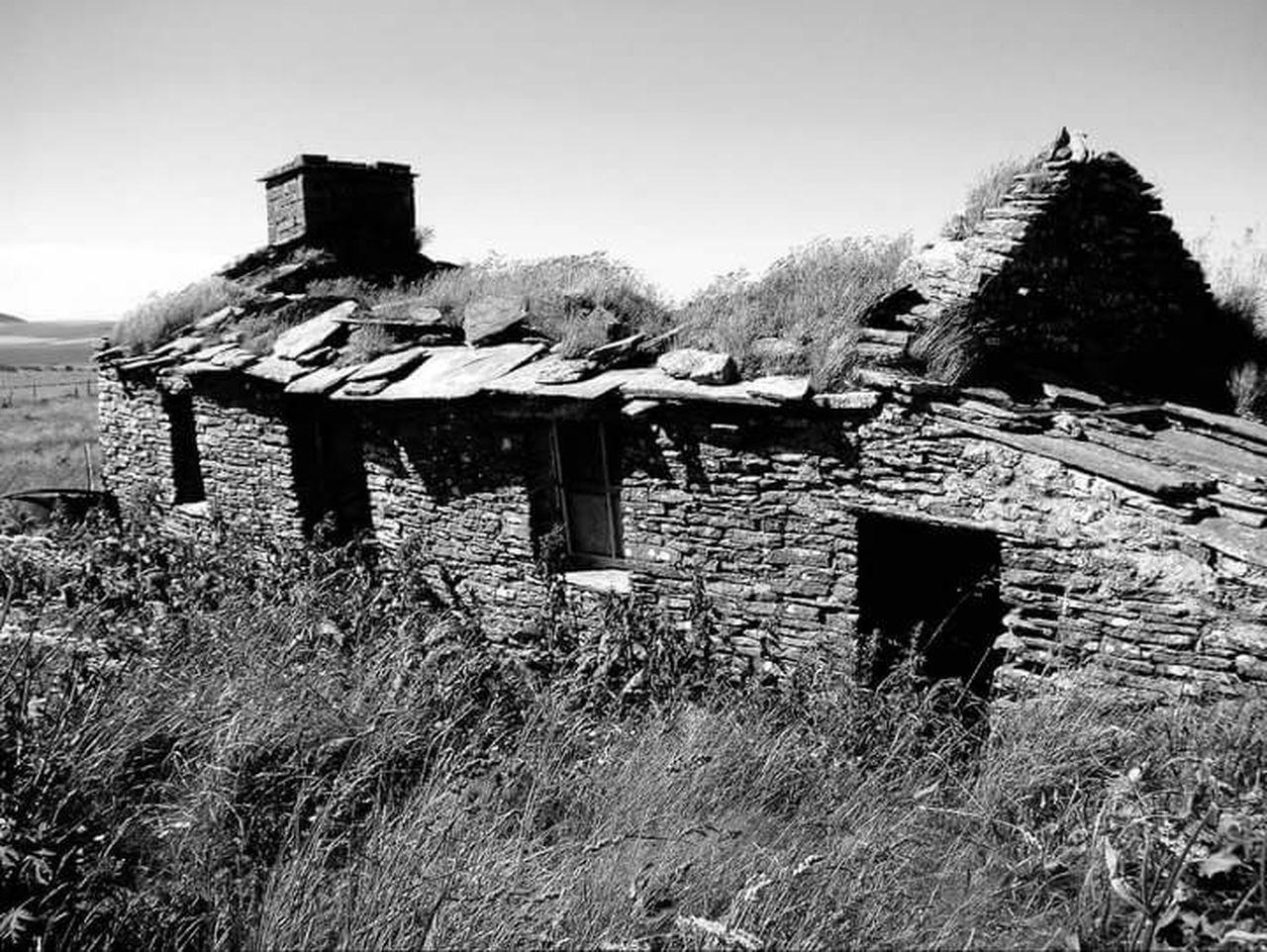 Abandoned & Derelict Abandoned House Abandoned Croft Derelict Building Derelict Orkneyislands Orkney Orkneyisles Scotland Lifeasiseeit Johnnelson