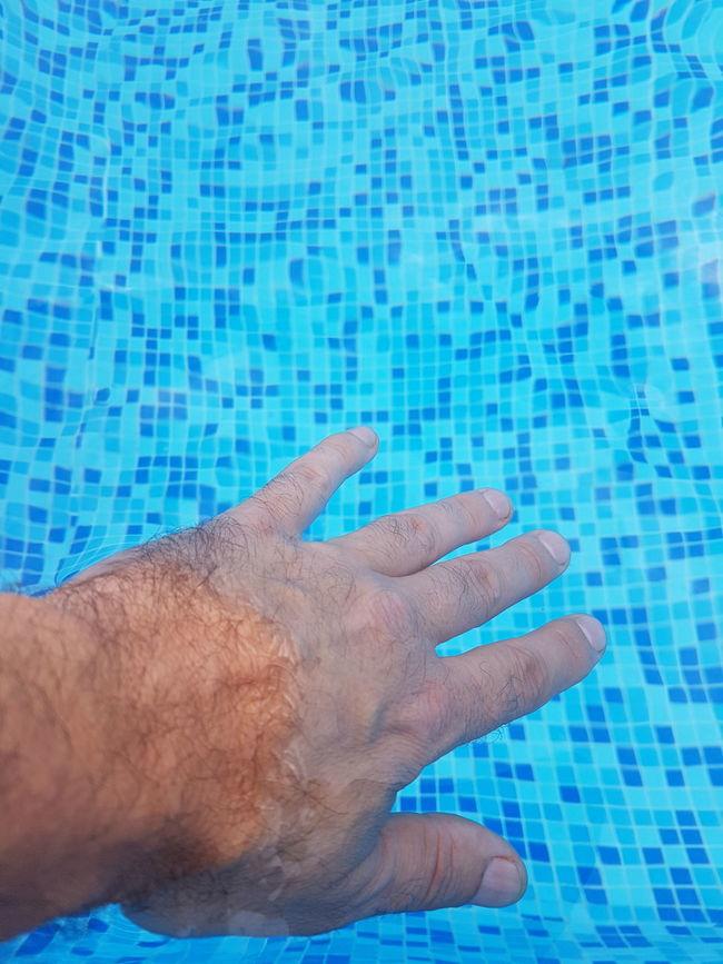 Blue My Hand  Pool Water Sintiendo El Agua Personal Perspective